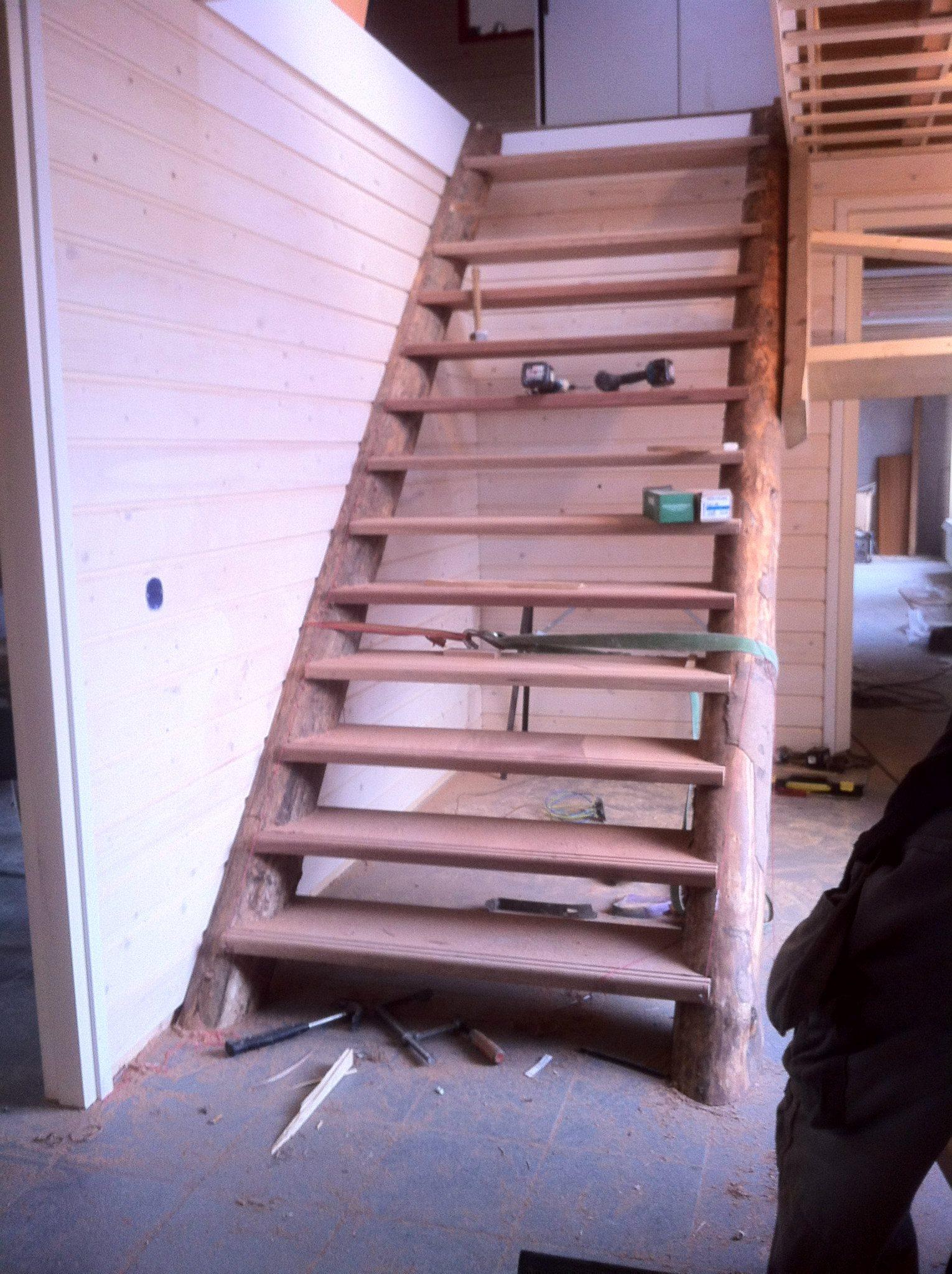 Op maat gemaakte trap atotz bouwtotaal for Trap op maat bestellen